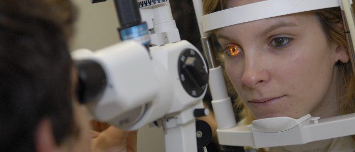 Apprenez à faire un examen de vue avec la licence optique de l'ICO, institut d'optique